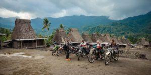 Gurusina traditional island village